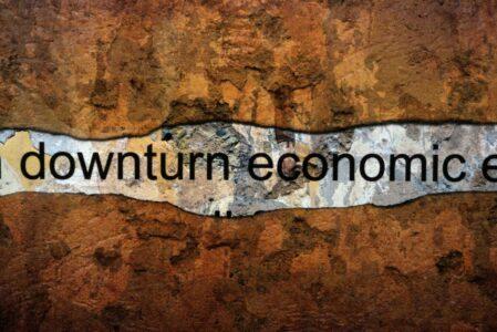 dreamstime_m_152229008 DOWNTURN ECONOMIC