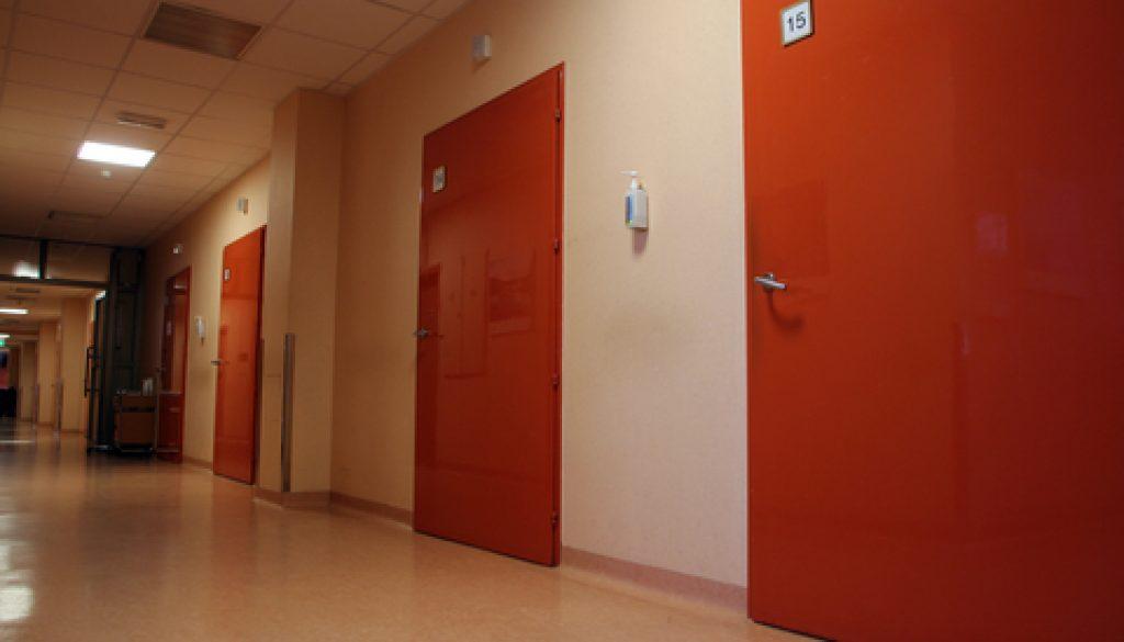 wood doors manufacturer dreamstime_xs_85972015